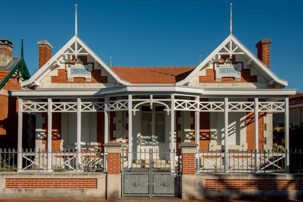 Villas Typiques. Rue Pointe De Grave  Maria Et Bertha-