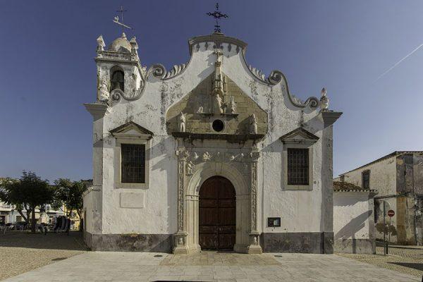 Moncarapacho. L'église