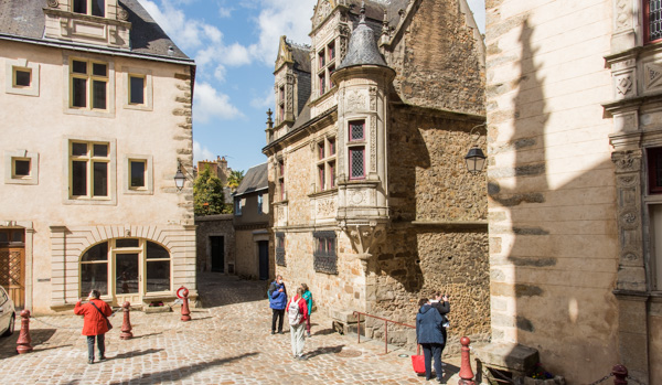 Le Mans. Maison Dite à La Tourelle Ou Hôtel Saint Paul Rue Des Chanoines